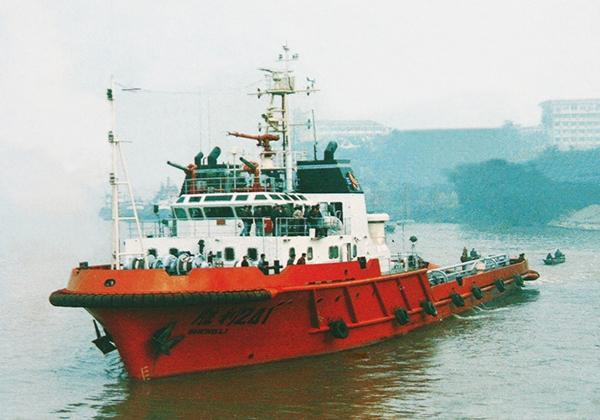 4,000HP浅海拖曳/供应船(1996年...