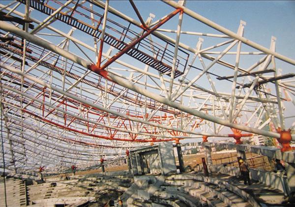 为芜湖市奥体中心制造的钢结构...